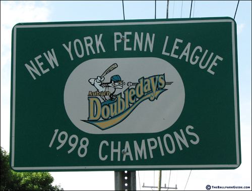 falcon-park-champions-sign.jpg