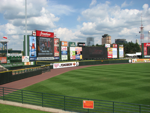 frontier-field-outfield.jpg