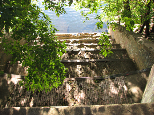 merrimack-river-steps.jpg