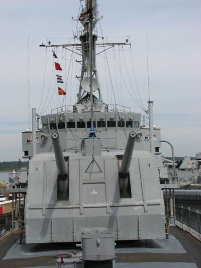 battleship-cove-uss-joseph-p-kennedy-deck-guns