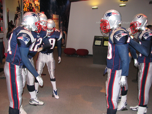 new-england-patriots-patriots-place-huddle