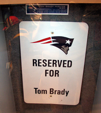 new-england-patriots-tom-brady-parking-sign