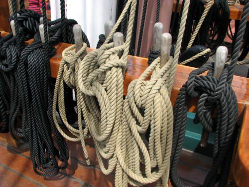 uss-constitution-ropes