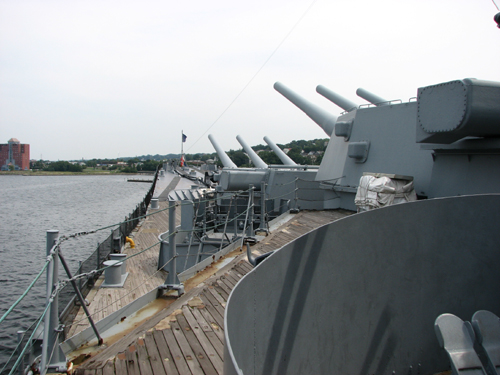 uss-massachusetts-looking-forward