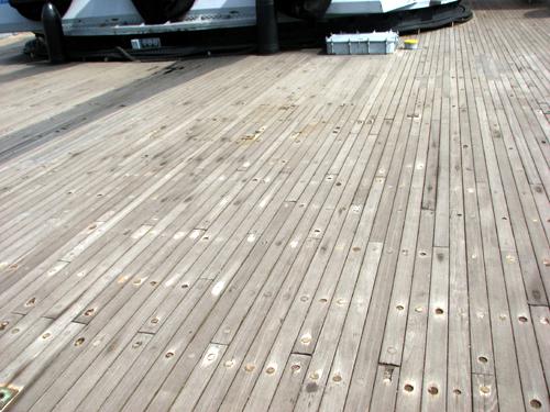 uss-massachusetts-wooden-deck