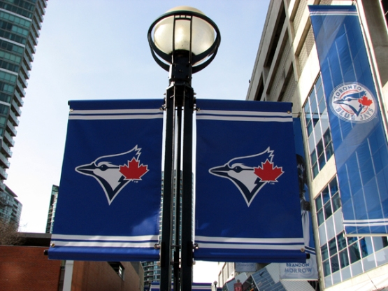rogers-centre-banners-outside