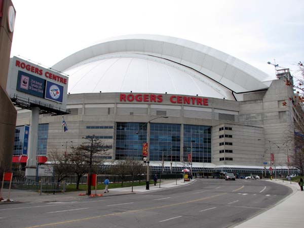 rogers-centre-outside-view
