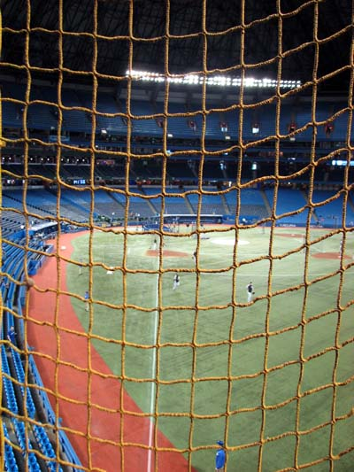 rogers-centre-right-field-foul-pole-net