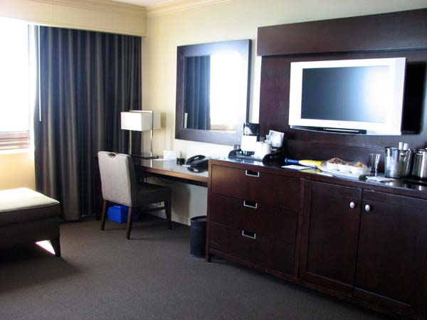 westin-harbour-castle-toronto-room