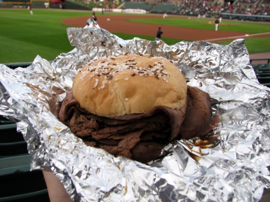 frontier-field-food-red-osier-roast-beef-sandwich