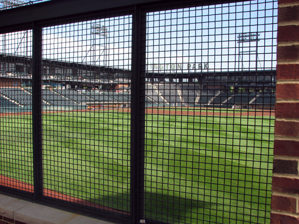 huntington-park-columbus-view-from-outside