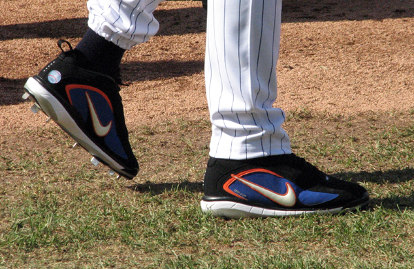 pepsi-max-field-of-dreams-pedro-martinez-cleats