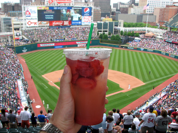 progressive-field-food-strawberry-lemonade