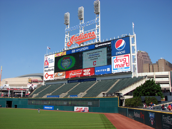 progressive-field-indians-video-board