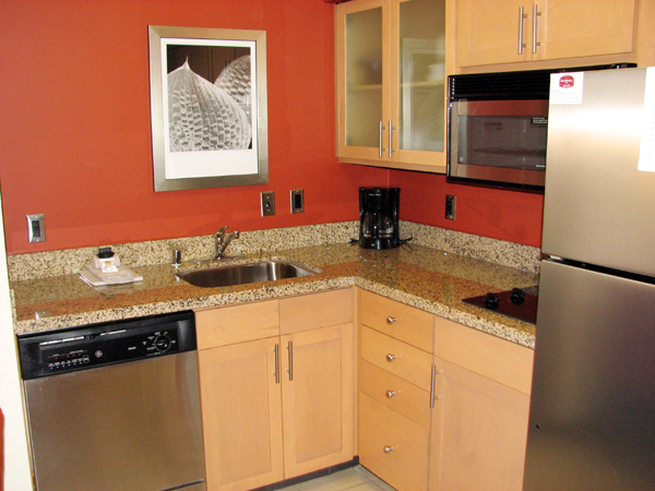 residence-inn-louisville-downtown-kitchen