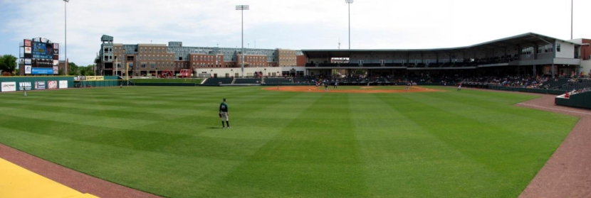 bowling-green-ballpark-panorama-outfield
