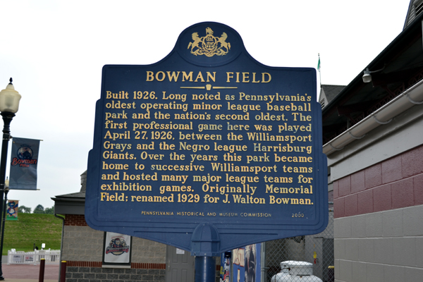bowman-field-plaque