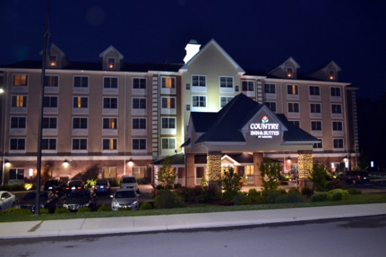 country-inn-&-suites-state-college-night-outside