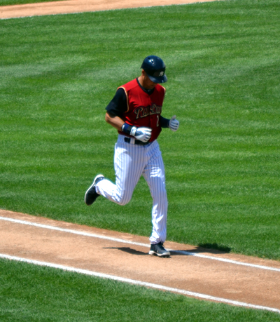 derek-jeter-railriders-walk