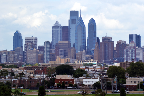 citizens-bank-park-philly-skyline