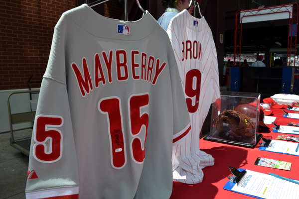 citizens-bank-park-silent-auction-jerseys