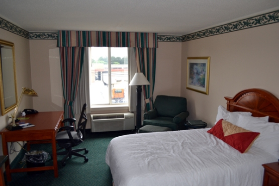 hilton-garden-inn-allentown-bethlehem-airport-room