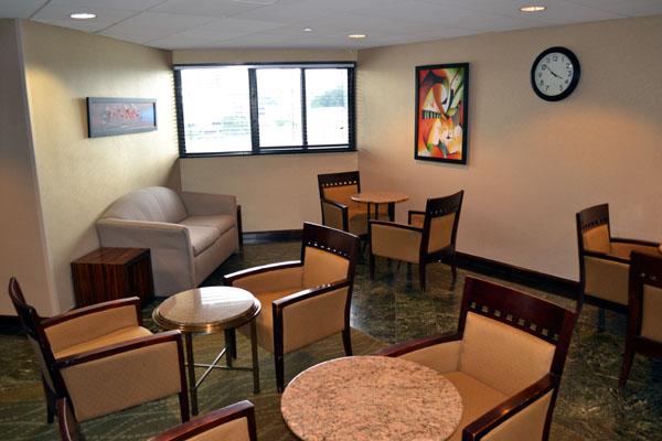 hyatt-regency-new-brunswick-floor-lounge-area