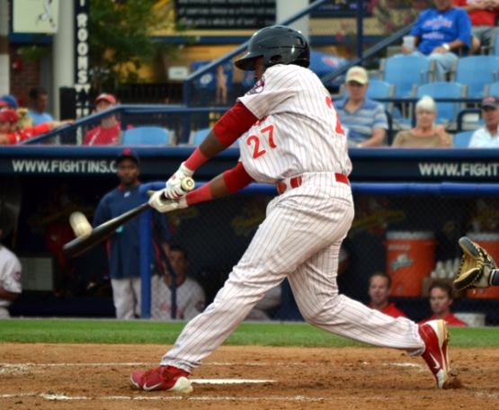maikel-franco-reading-fightin-phils