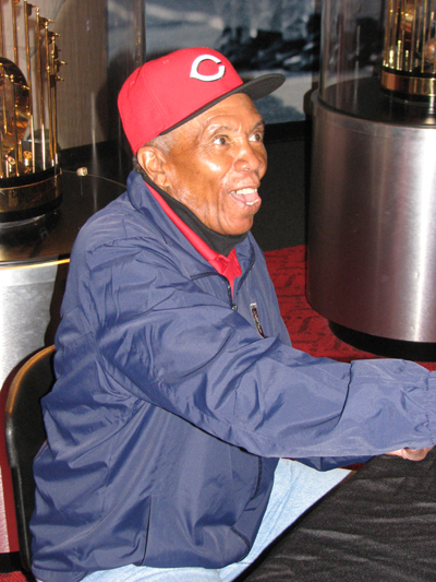 cincinnati-reds-hall-of-fame-leo-cardenas