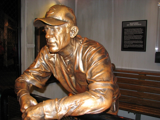 cincinnati-reds-hall-of-fame-sparky-anderson-statue