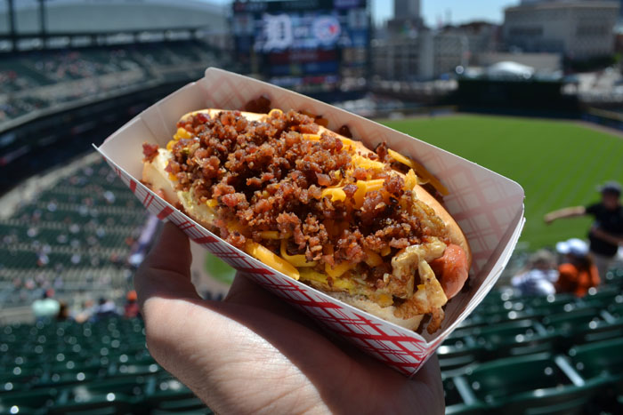 comerica-park-hot-dog-fried-egg
