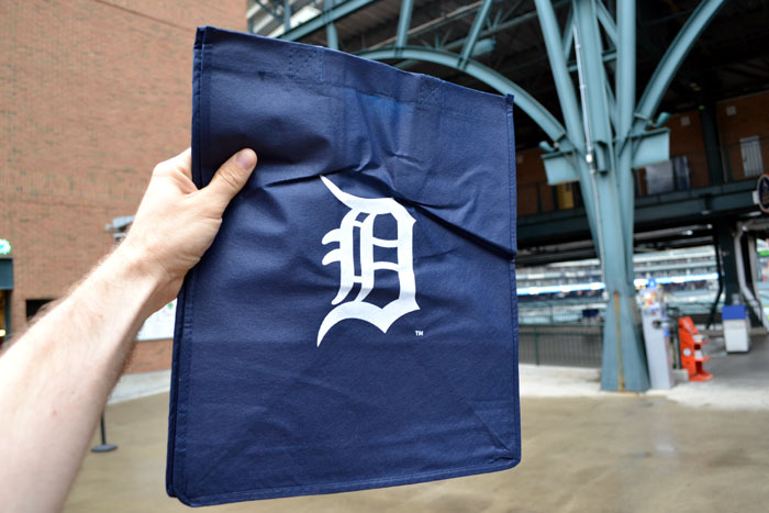 comerica-park-stadium-giveaway-grocery-bag