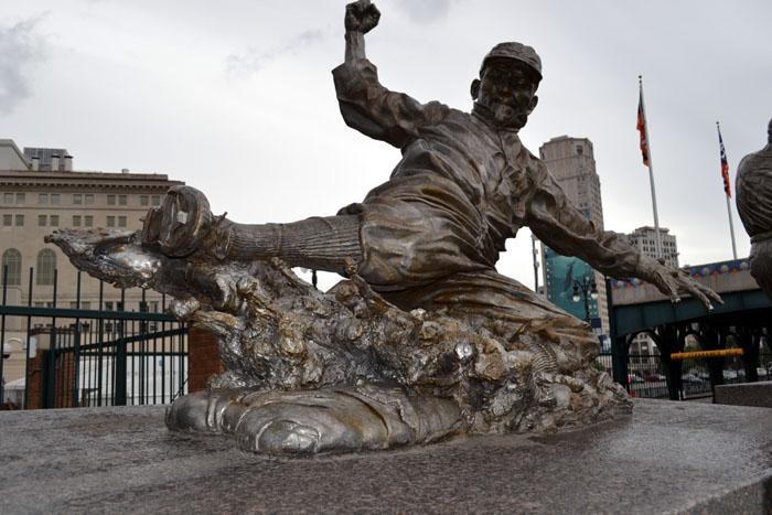 comerica-park-ty-cobb-statue