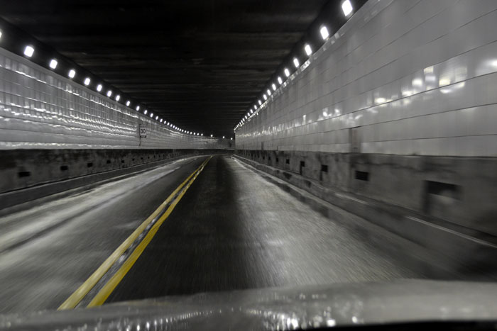 driving-through-detroit-windsor-tunnel