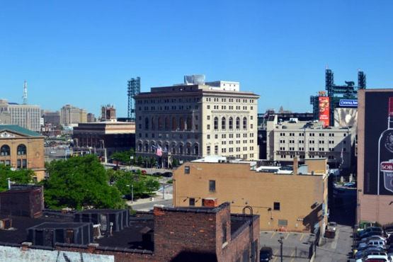 hilton-garden-inn-detroit-downtown-bright-day-view