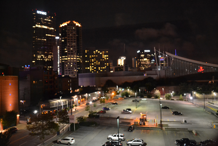 hampton-inn-suites-pittsburgh-downtown-city-view-night