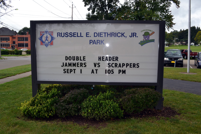 jamestown-jammers-team-sign