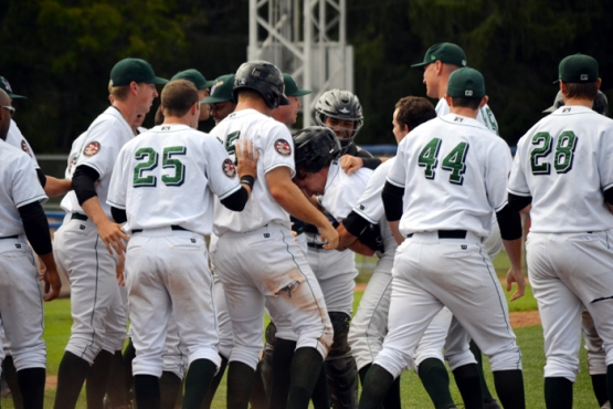 jordan-luplow-jamestown-jammers-walk-off2