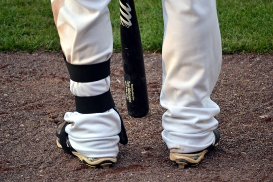 darin-mastroianni-feet-and-bat