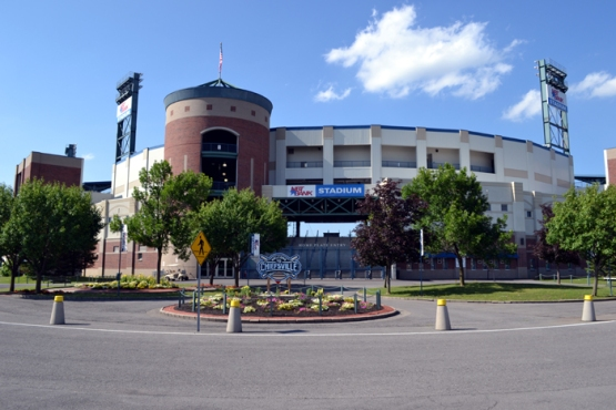 syracuse-chiefs-nbt-bank-stadium-front