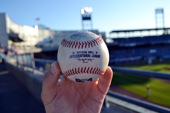 syracuse-chiefs-foul-ball