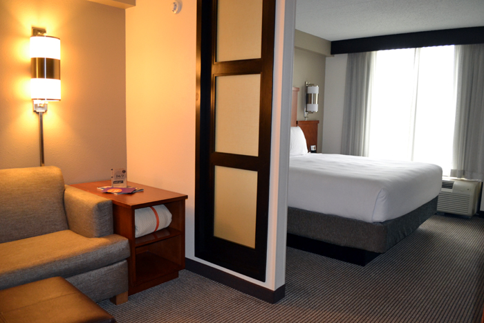 hyatt-place-cleveland-independence-room-suite-2