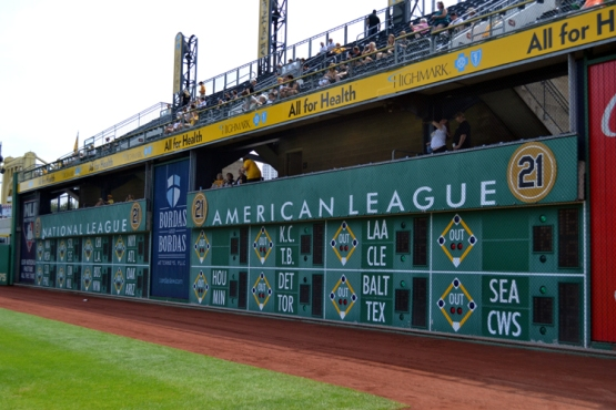 pnc-park-out-of-town-scoreboard