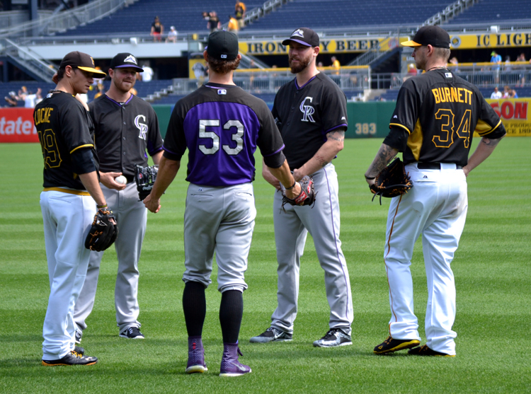 pnc-park-players-before-game