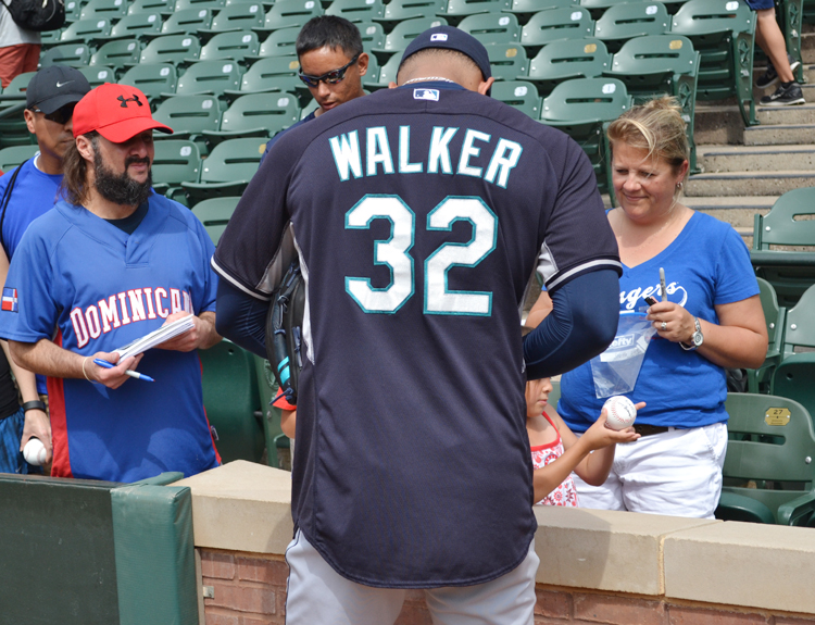 taijuan-walker-seattle-mariners-autographs