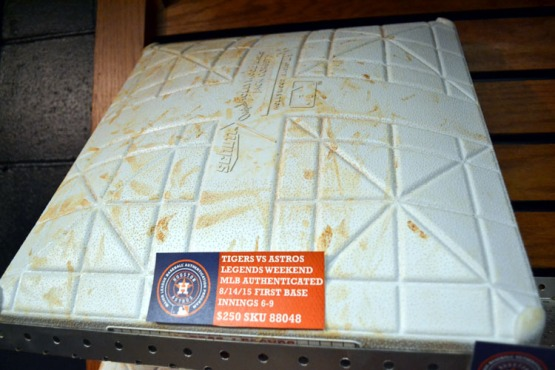 minute-maid-park-game-used-base
