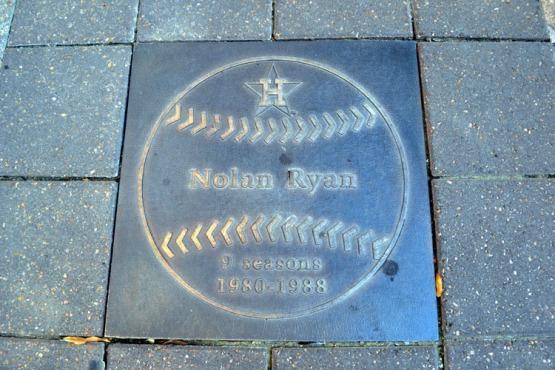 minute-maid-park-nolan-ryan-plaque