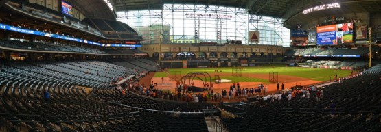 minute-maid-park-panorama-first-base-plate