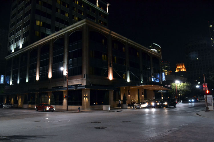 westin-houston-downtown-front-night