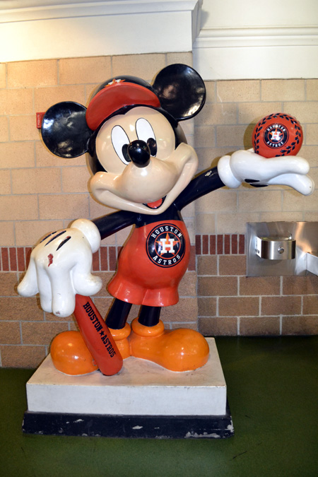 minute-maid-park-mickey-mouse-2010-all-star-game